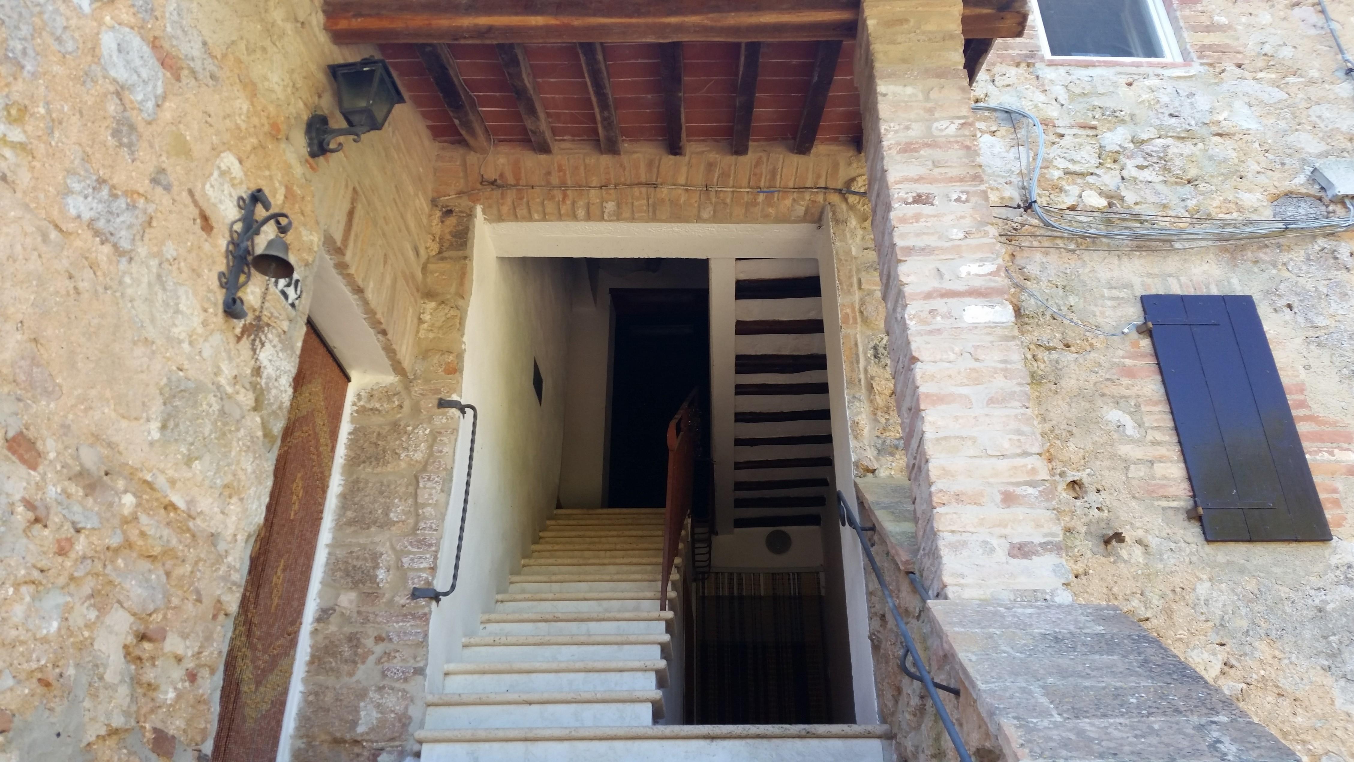 San Gimignano appartamento in piccolo borgo