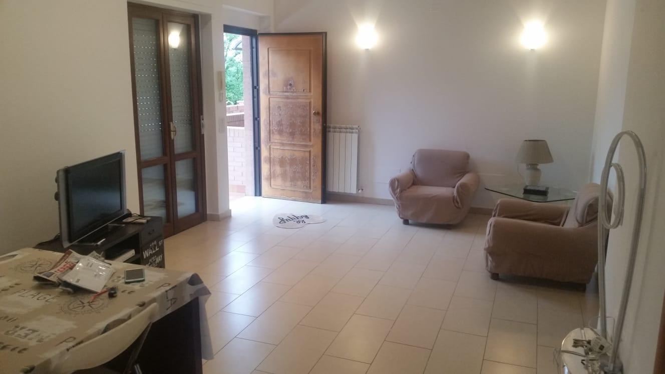 Quercegrossa appartamento spazioso con terrazzo