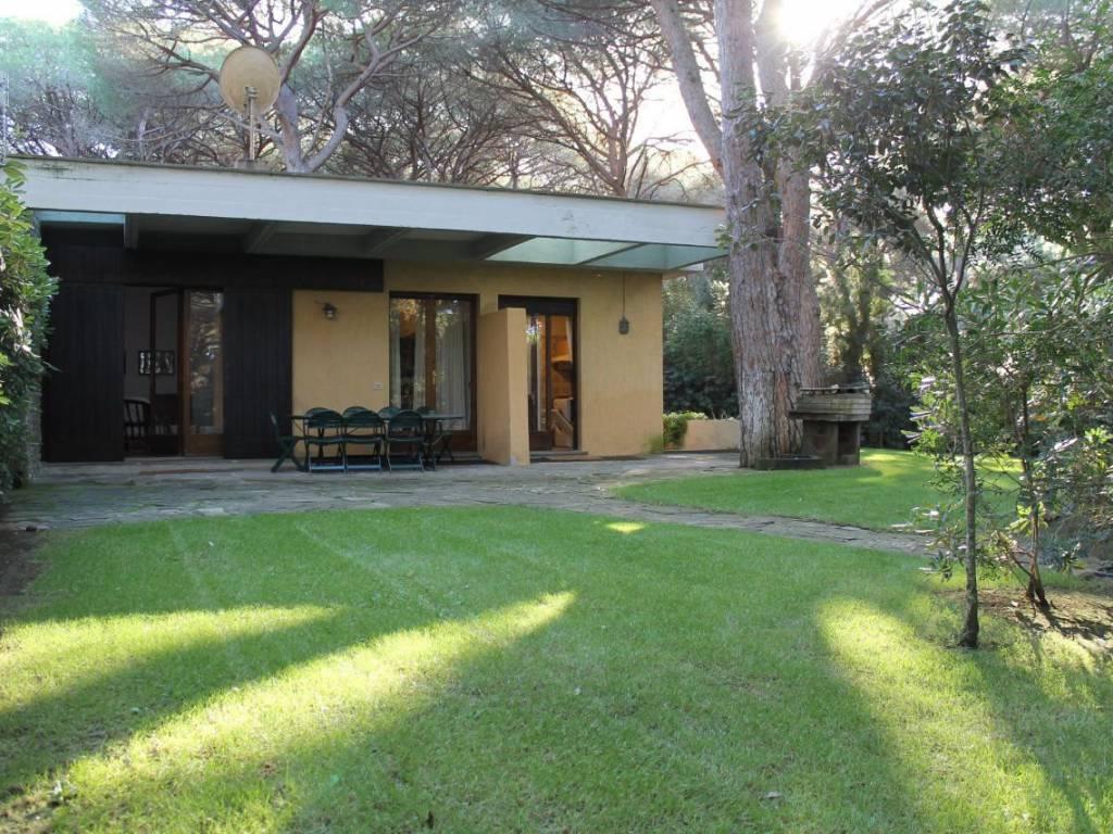 Castiglione della Pescaia Villa esclusiva con 3.000 mq giardino (Zona Roccamare)