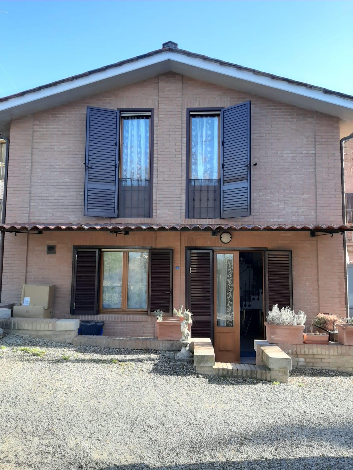 Siena ( Fuori Porta Tufi ) – Terratetto indipendente