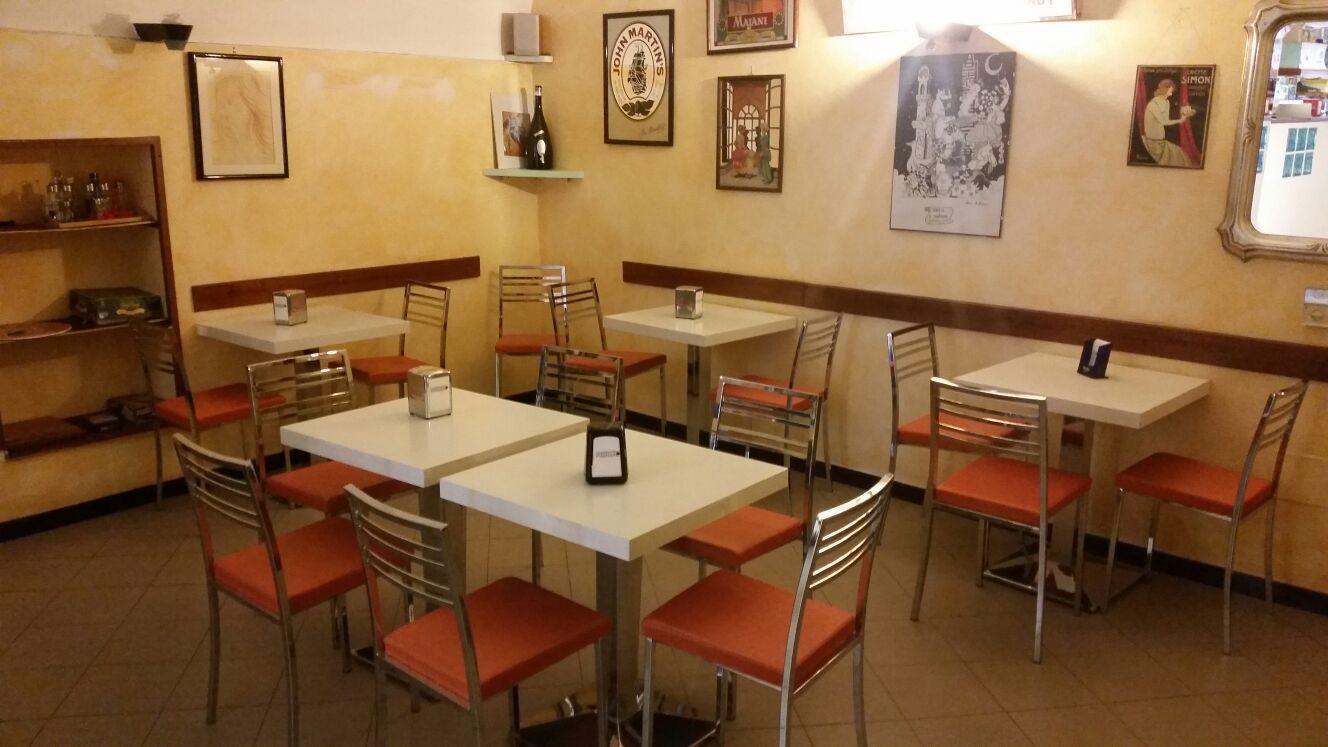 Siena, Cedesi Bar In Centro Storico