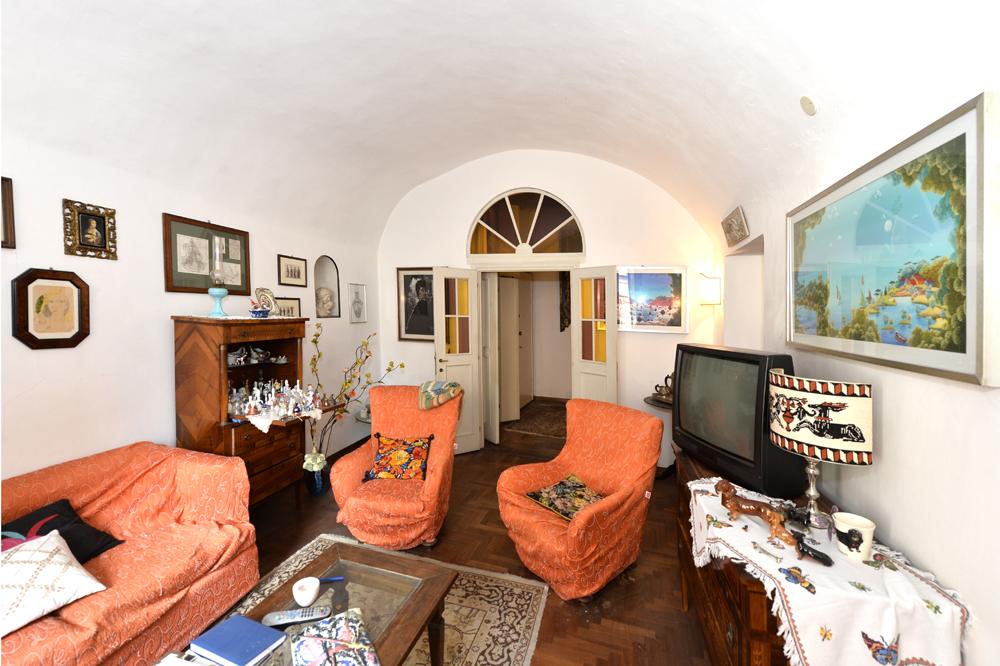 Siena ( Centro Storico ) Via Camollia 160 Mq